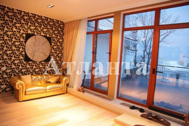 Продается дом на ул. Приморский Пер. — 1 500 000 у.е.