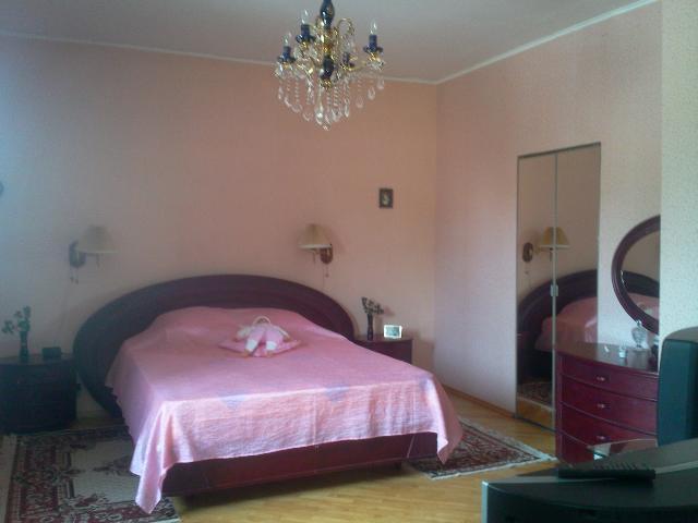 Продается дом на ул. Черновола — 200 000 у.е.