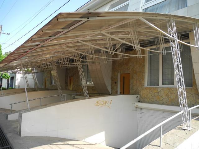 Сдается дом на ул. Ахматовой — 1 300 у.е./мес.
