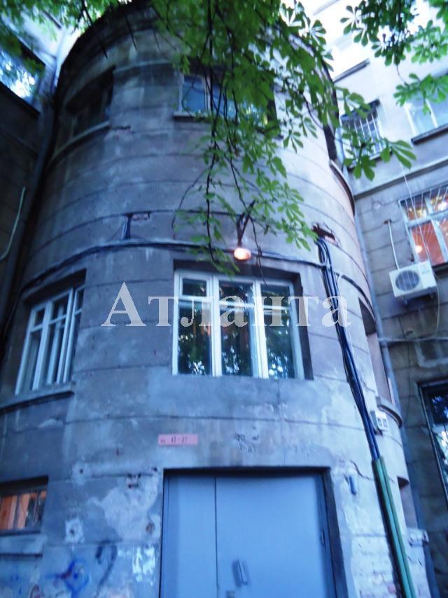 Продается 3-комнатная квартира на ул. Коблевская — 70 000 у.е.