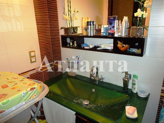 Продается 4-комнатная квартира на ул. Филатова Ак. — 195 000 у.е. (фото №17)