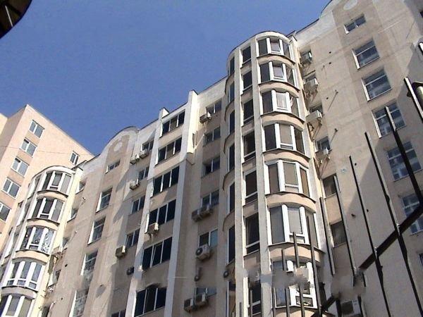 Продается 3-комнатная квартира в новострое на ул. Обсерваторный Пер. — 150 000 у.е.