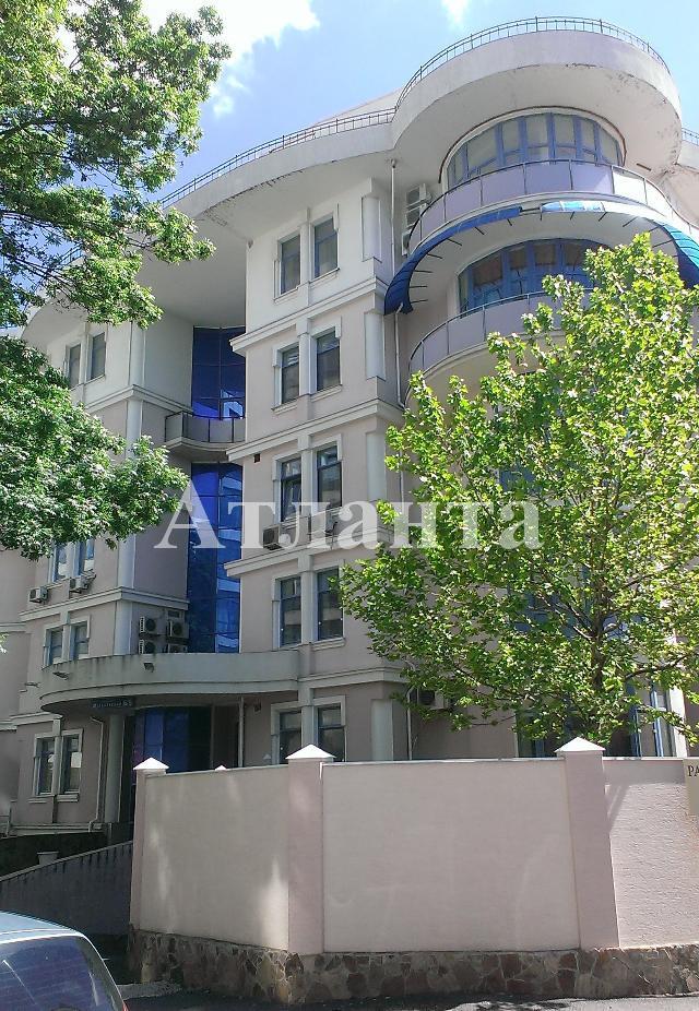 Продается 3-комнатная квартира на ул. Мукачевский Пер. — 220 000 у.е.
