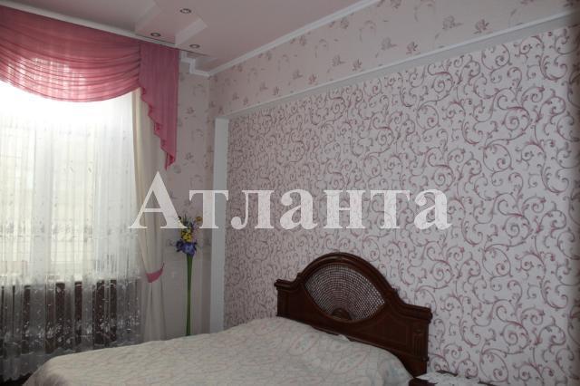 Продается 4-комнатная квартира на ул. Мукачевский Пер. — 300 000 у.е.