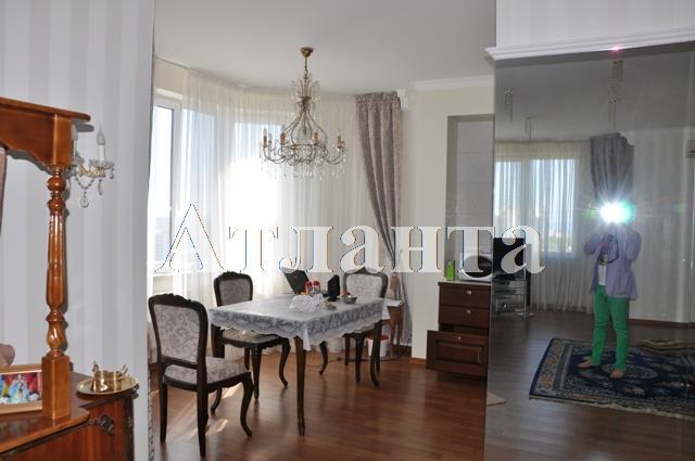 Продается 3-комнатная квартира в новострое на ул. Среднефонтанская — 120 000 у.е.