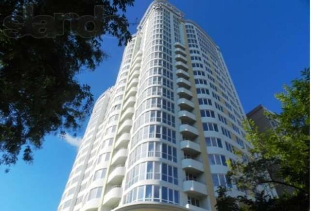 Продается 3-комнатная квартира на ул. Литературная — 352 000 у.е.