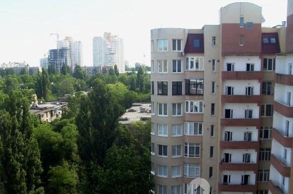 Продается 3-комнатная квартира в новострое на ул. Шампанский Пер. — 140 000 у.е.