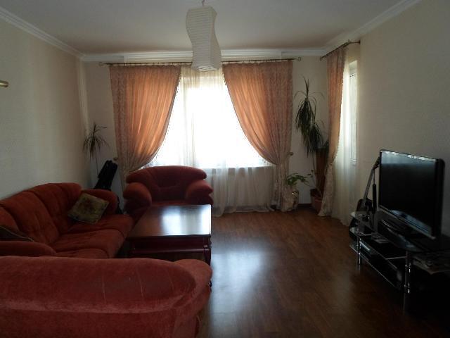 Продается 3-комнатная квартира в новострое на ул. Тополевая — 90 000 у.е.