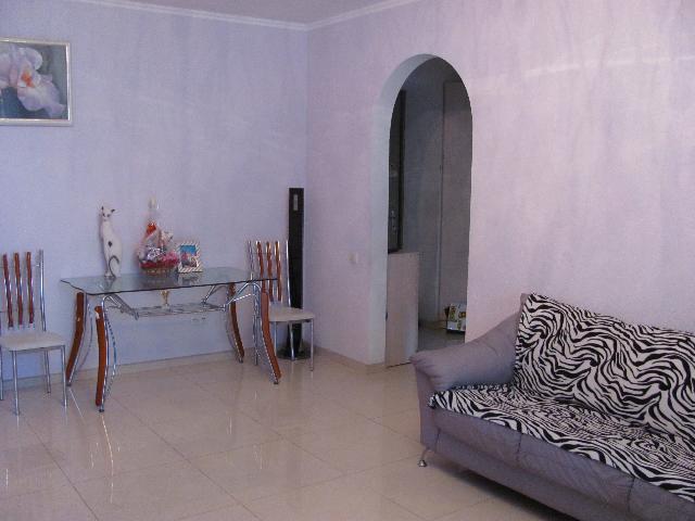 Продается 4-комнатная квартира в новострое на ул. Светлый Пер. — 115 000 у.е.