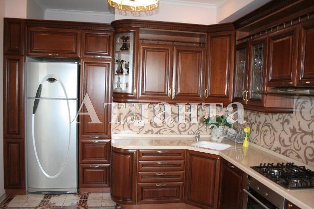 Продается 3-комнатная квартира на ул. Донского Дмитрия — 180 000 у.е.