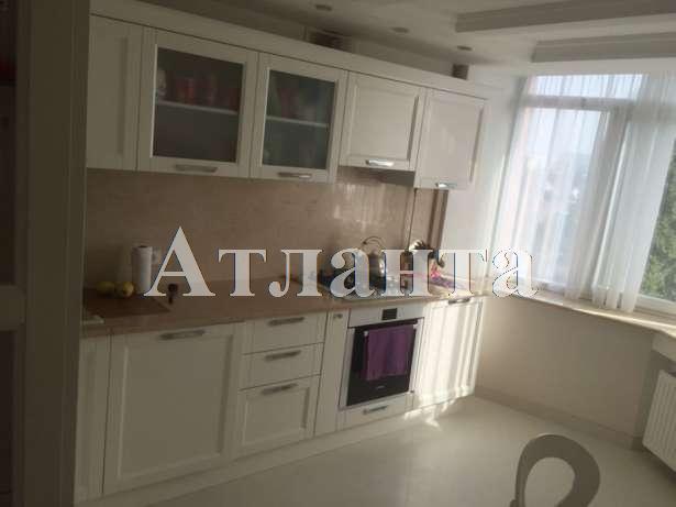 Продается 2-комнатная квартира на ул. Малиновского Марш. — 70 000 у.е.