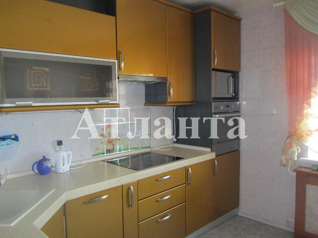 Продается 3-комнатная квартира на ул. Колонтаевская — 70 000 у.е.