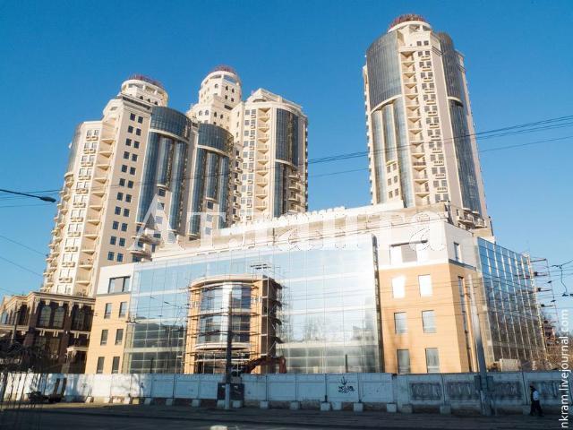 Продается 5-комнатная квартира на ул. Генуэзская — 342 000 у.е.