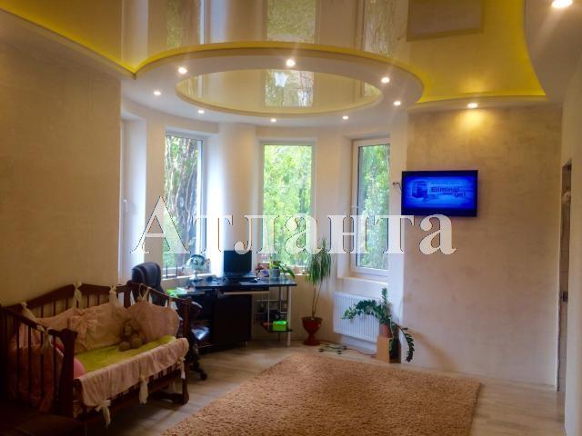 Продается 2-комнатная квартира на ул. Малиновского Марш. — 72 000 у.е.