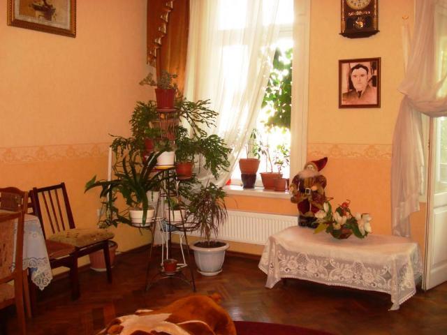 Продается 4-комнатная квартира на ул. Бунина — 145 000 у.е.