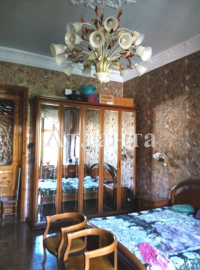 Продается 4-комнатная квартира на ул. Военный Сп. — 180 000 у.е.