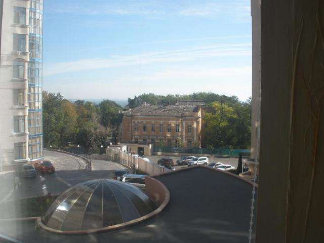 Продается 3-комнатная квартира в новострое на ул. Лидерсовский Бул. — 309 000 у.е. (фото №4)