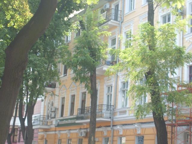 Продается 1-комнатная квартира на ул. Лермонтовский Пер. — 21 000 у.е.