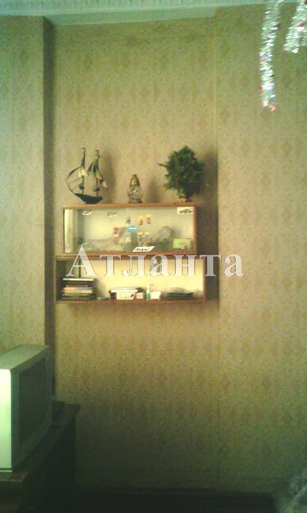 Продается 3-комнатная квартира на ул. Среднефонтанская — 45 000 у.е.