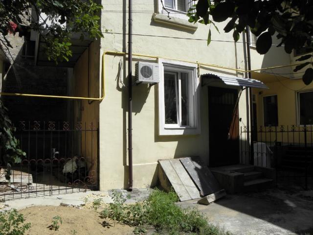 Продается 2-комнатная квартира на ул. Базарная — 52 000 у.е.