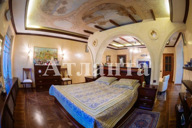 Продается 4-комнатная квартира на ул. Мукачевский Пер. — 450 000 у.е.