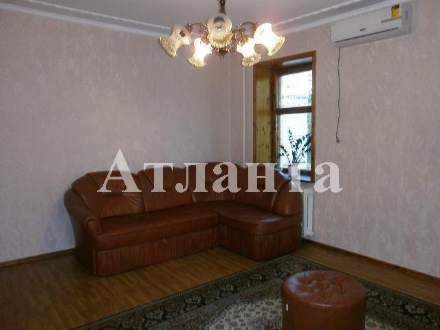 Продается 4-комнатная квартира на ул. Академика Королева — 63 000 у.е.