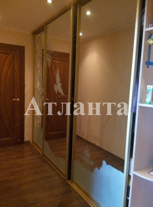 Продается 2-комнатная квартира на ул. Академика Вильямса — 65 000 у.е.