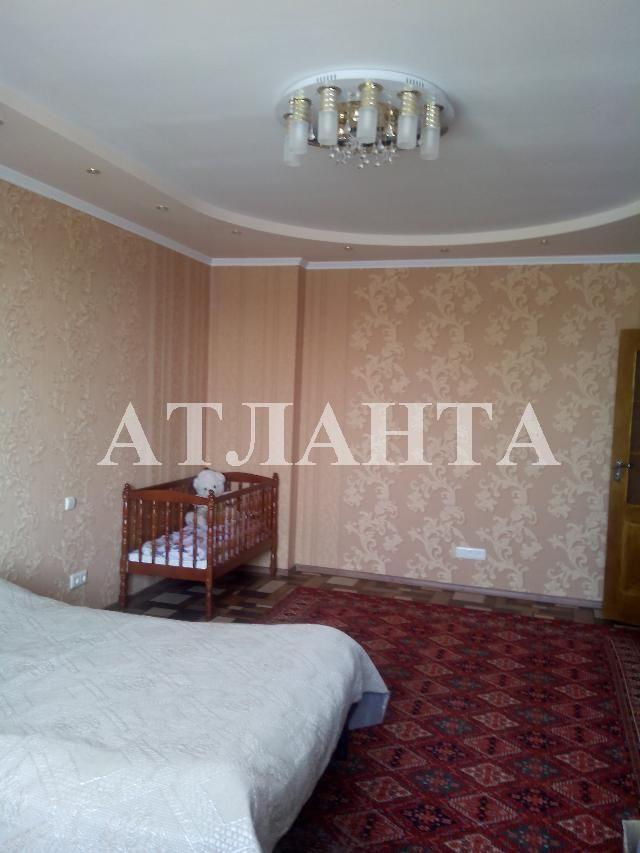 Продается 2-комнатная квартира на ул. Радужный М-Н — 70 000 у.е.