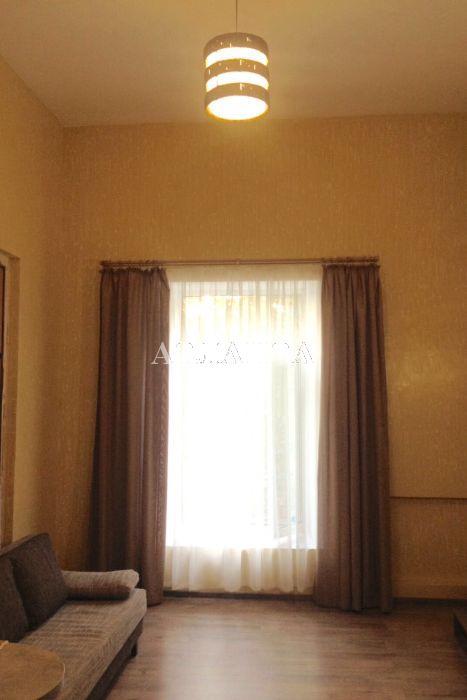 Продается 2-комнатная квартира на ул. Дерибасовская — 52 000 у.е.