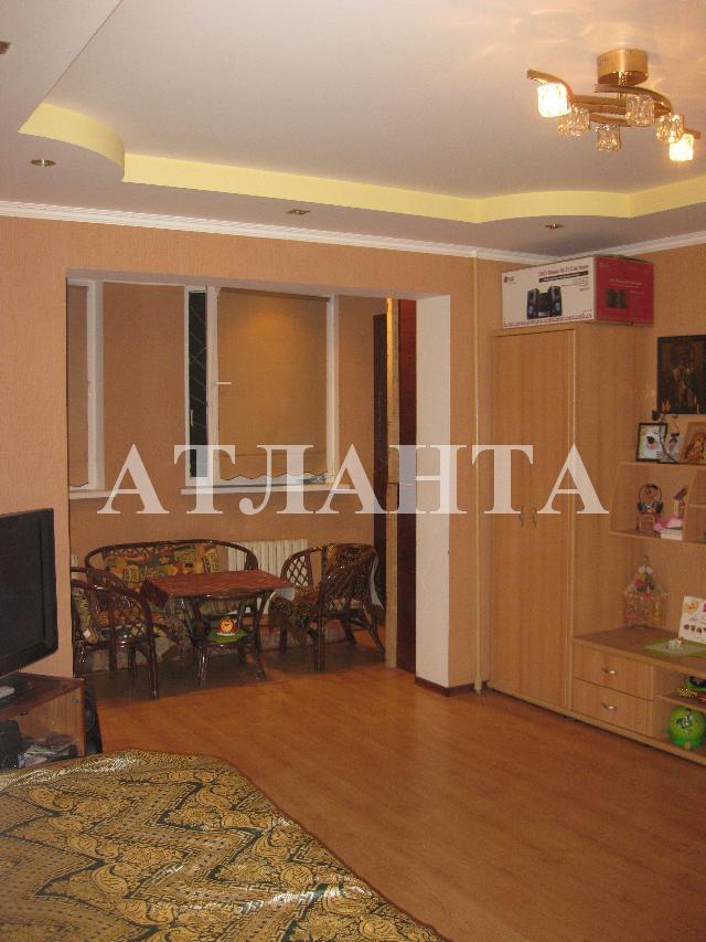 Продается 2-комнатная квартира на ул. Академика Королева — 55 000 у.е.