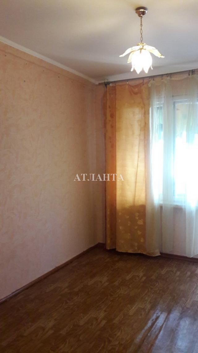 Продается 4-комнатная квартира на ул. Академика Королева — 46 000 у.е.