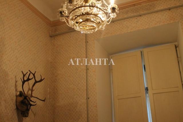 Продается 3-комнатная квартира на ул. Олеши Юрия — 67 000 у.е.