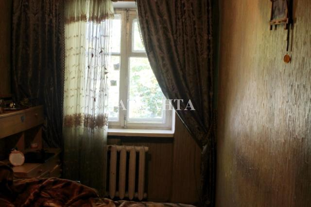 Продается 3-комнатная квартира на ул. Комарова — 36 000 у.е.