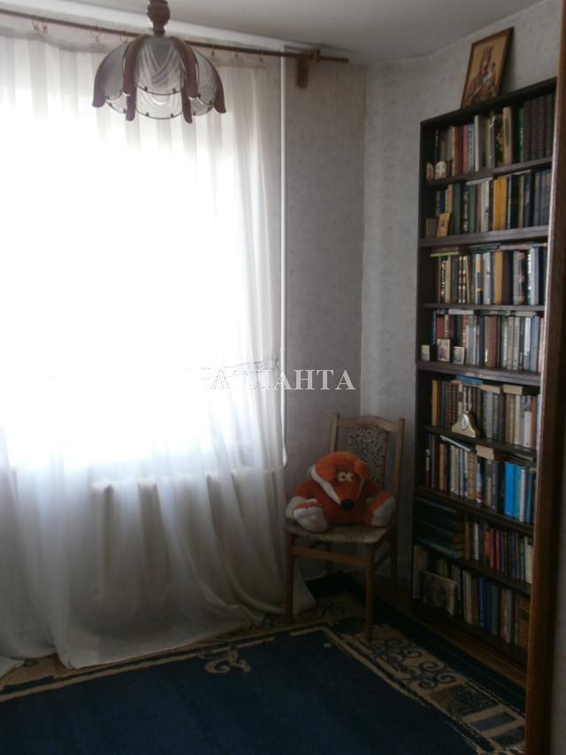 Продается 3-комнатная квартира на ул. Академика Королева — 55 000 у.е.