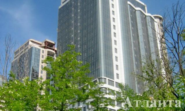 Продается 3-комнатная квартира в новострое на ул. Гагаринское Плато — 75 000 у.е.