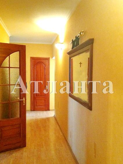 Продается 3-комнатная квартира на ул. Академика Королева — 65 000 у.е.