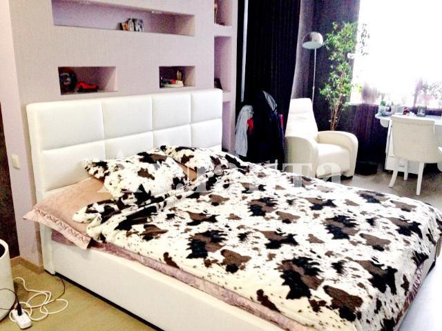 Продается 4-комнатная квартира в новострое на ул. Литературная — 385 000 у.е.
