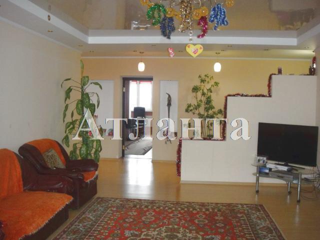 Продается 3-комнатная квартира на ул. Академика Королева — 95 000 у.е.