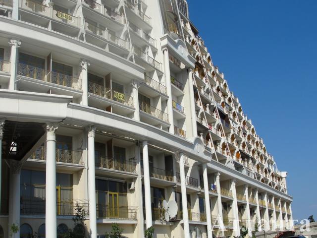 Продается 1-комнатная квартира на ул. Гагаринское Плато — 95 000 у.е.