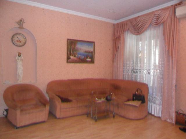 Продается 2-комнатная квартира на ул. Екатерининская — 75 000 у.е.