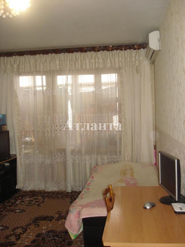 Продается 4-комнатная квартира на ул. Заболотного Ак. — 60 000 у.е.