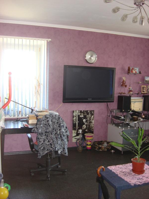 Продается 4-комнатная квартира на ул. Академика Королева — 48 000 у.е.