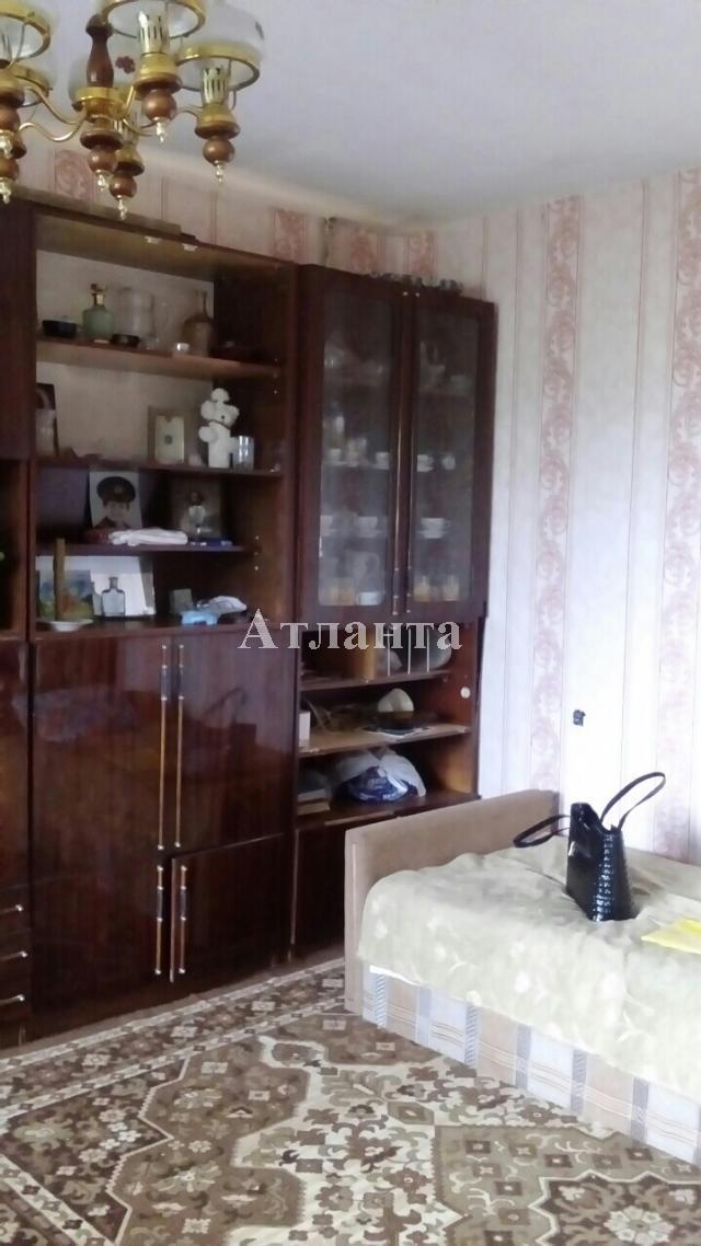 Продается 2-комнатная квартира на ул. Днепропетр. Дор. — 33 000 у.е.