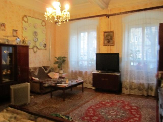 Продается 5-комнатная квартира на ул. Дворянская — 160 000 у.е.