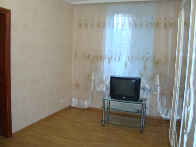 Продается 3-комнатная квартира на ул. Красная — 65 000 у.е.