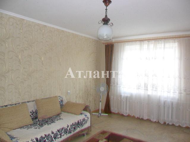 Продается 2-комнатная квартира на ул. Бочарова Ген. — 32 000 у.е.