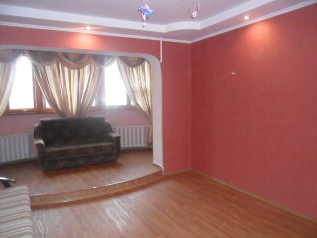 Продается 2-комнатная квартира на ул. Проспект Добровольского — 36 000 у.е.