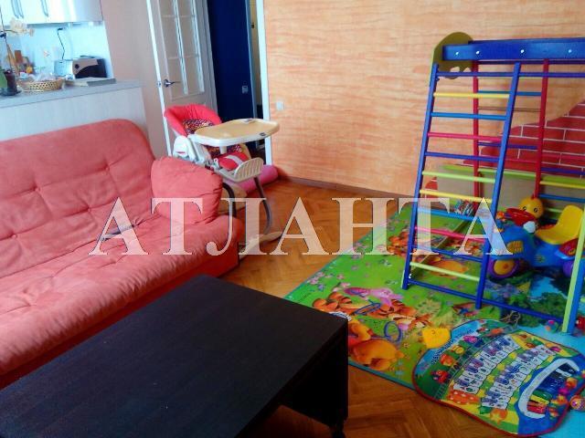 Продается 3-комнатная квартира на ул. Малиновского Марш. — 65 000 у.е.