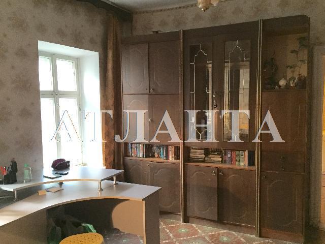 Продается 3-комнатная квартира на ул. Среднефонтанская — 65 000 у.е.