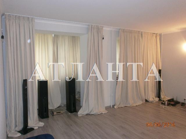 Продается 3-комнатная квартира на ул. Бабаджаняна Марш. — 70 000 у.е.